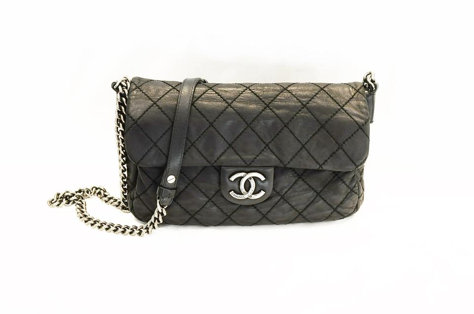 Chanel Medium Flap Iridescent Crossbody Black Leather Shoulder Bag ... fbaab45c8869