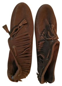 Minnetonka Suede Fringe Back Zipper Brown Boots
