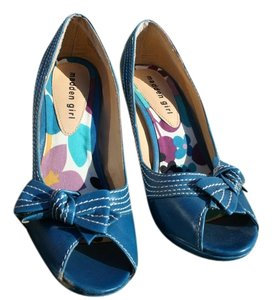 Steve Madden Retro Vintage-inspired Blue Pumps