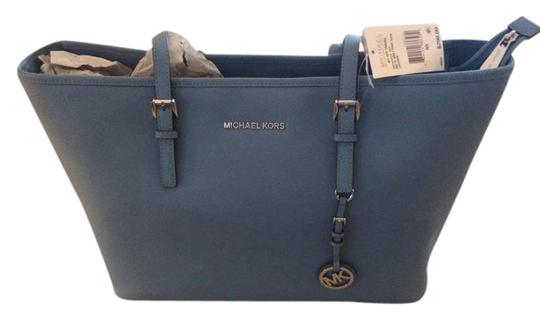 Preload https://img-static.tradesy.com/item/21511314/michael-kors-jet-set-multifunction-light-blue-sky-leather-tote-0-1-540-540.jpg