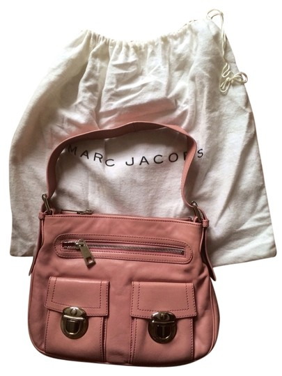 Preload https://img-static.tradesy.com/item/2151778/marc-jacobs-push-lock-pink-leather-shoulder-bag-0-0-540-540.jpg