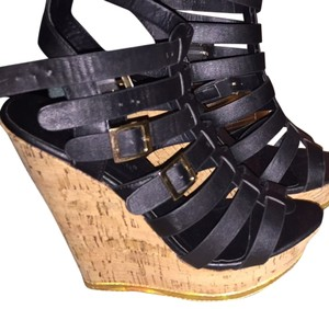 Traffic People Black W/ Gold Wedges