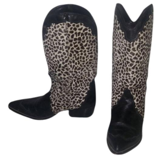 Preload https://item4.tradesy.com/images/guess-by-marciano-black-bootsbooties-size-us-7-regular-m-b-2151993-0-0.jpg?width=440&height=440