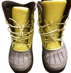 Nike ACG Lime green and Gray Boots