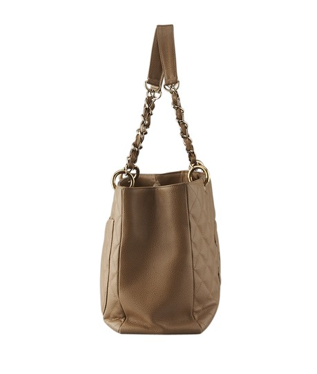 Chanel Leather Tote in Tan Image 2