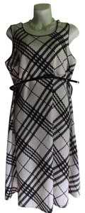 Motherhood Maternity New Motherhood Maternity Black and White Dress, Nice!