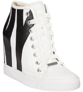 DKNY white/black Athletic