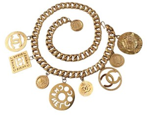 Chanel FAMOUS VINTAGE CHANEL GOLD PLATED LARGE CHARMS BELT