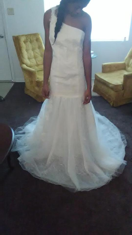 5ae48ace336c32 Vera Wang Ivory Tulle & Lace Vw351287 Feminine Wedding Dress Size 6 (S)  Image. 123456. 1 ∕ 6