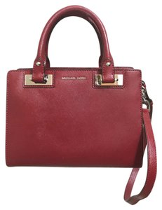d364726278332a Portefeuille Mk Aliexpress ... replica add02 5dc4c Michael Kors Satchel in  Cherry . ...