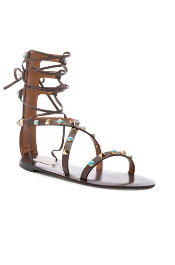 Valentino Rockstud Gladiator Flats BROWN CACAO Sandals Image 0