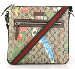 b0e7c23476ce Gucci Canvas Bags - Up to 70% off at Tradesy