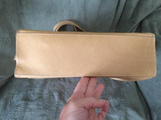 Timberland Tote in Tan Natural Leather Image 4