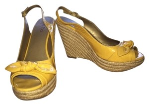 Me Too Yellow Wedges
