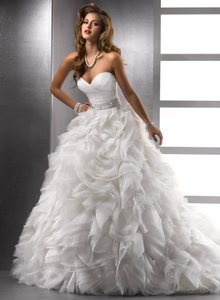 Sottero and Midgley Ivory Organza Jerrica Traditional Wedding Dress Size 4 (S)