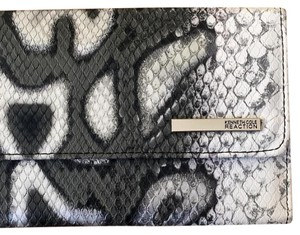 Kenneth Cole Reaction Clutch Wallet