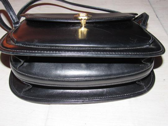 Gucci Multiple Compartment Dressy Or Casual Great For Everyday Mint Vintage Accordion Bottom Satchel in black leather Image 2