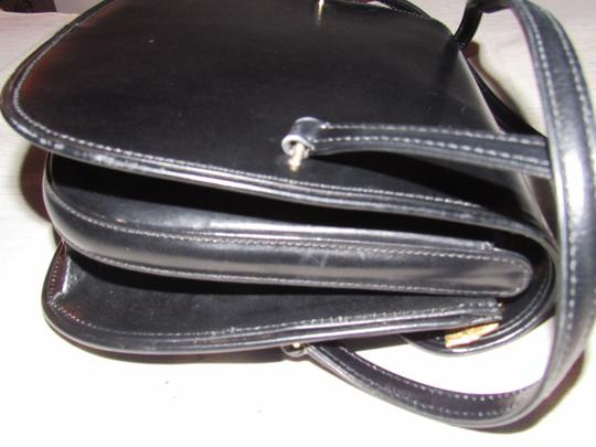 Gucci Multiple Compartment Dressy Or Casual Great For Everyday Mint Vintage Accordion Bottom Satchel in black leather Image 8