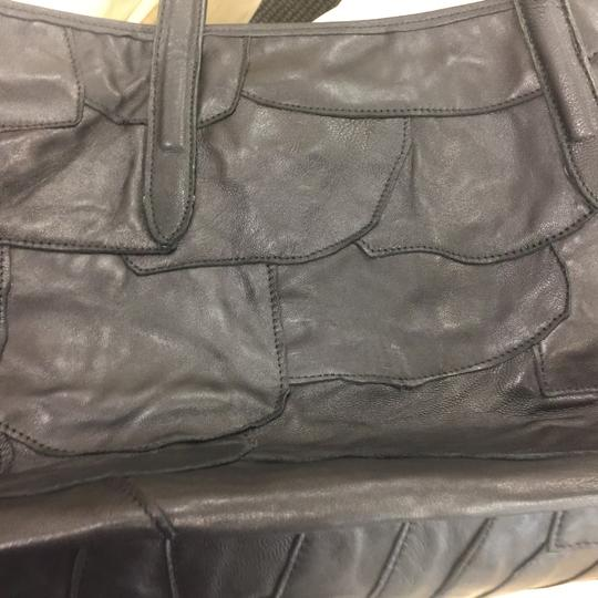 Unknown Tote Image 2