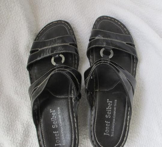 Josef Seibel Black Sandals Image 3