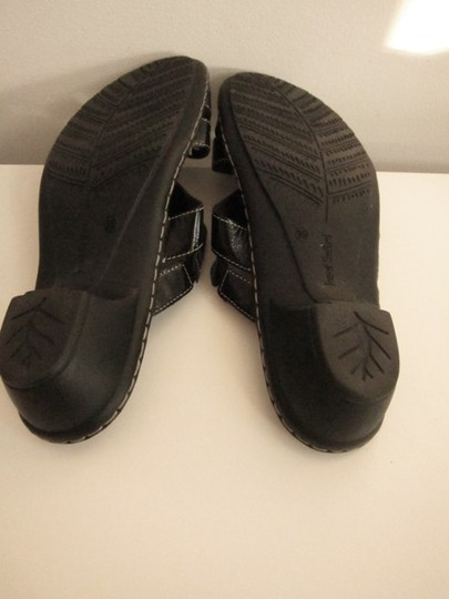 Josef Seibel Black Sandals Image 6
