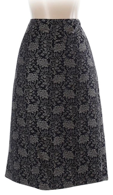 Preload https://img-static.tradesy.com/item/21534433/ann-taylor-navy-blue-printed-sheath-with-pleat-in-the-back-knee-length-skirt-size-4-s-27-0-5-650-650.jpg