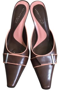 Kenneth Cole Brown with peach trim Mules