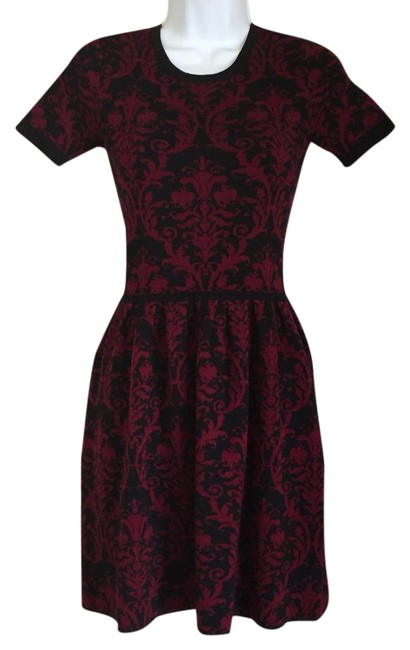 Preload https://img-static.tradesy.com/item/21534838/romeo-and-juliet-couture-damask-print-short-casual-dress-size-0-xs-0-1-650-650.jpg