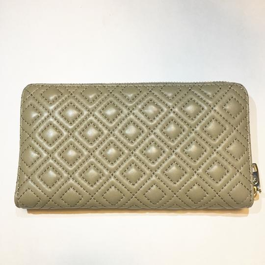 Tory Burch Marion Quilted Multi-Gusset Zip Continental Wallet French Gray Leather Image 4
