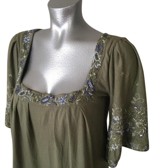 Preload https://img-static.tradesy.com/item/21537597/green-embroidered-peasant-blouse-size-4-s-0-3-650-650.jpg