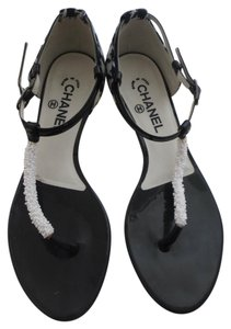1fbc1c0ad9ea White Chanel Flats - Up to 90% off at Tradesy (Page 2)