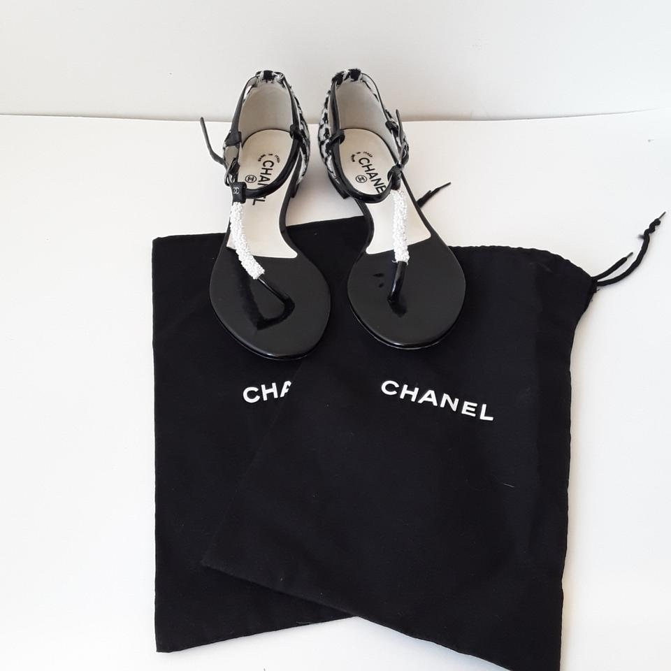5f267c583652 Chanel Black   White Houndstooth Fabric Beaded T-strap Thong Sandals Flats  Size US 10.5 Regular (M