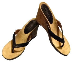 Tribeca by Kenneth Cole Black Sandals