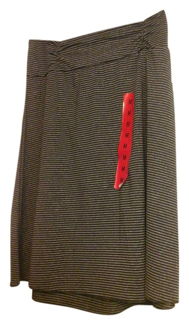 Preload https://img-static.tradesy.com/item/21541712/black-and-gray-stripe-by-colorado-clothing-skirt-size-8-m-29-30-0-1-650-650.jpg
