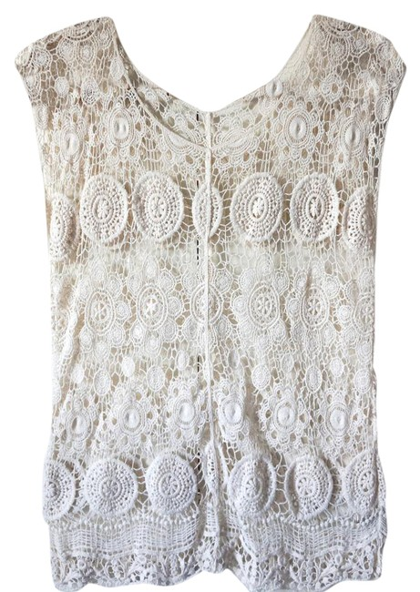Preload https://img-static.tradesy.com/item/21542177/cream-crochet-with-floral-motif-blouse-size-4-s-0-1-650-650.jpg