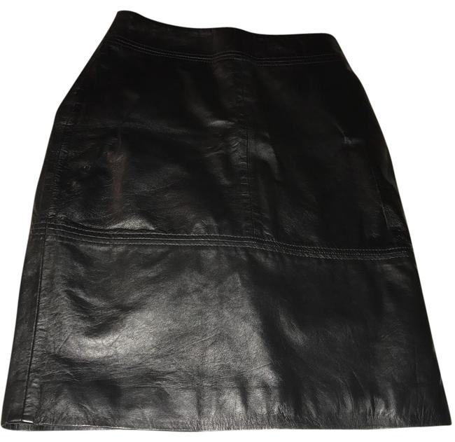 Preload https://item2.tradesy.com/images/h-and-m-black-leather-knee-length-skirt-size-4-s-27-21542276-0-1.jpg?width=400&height=650