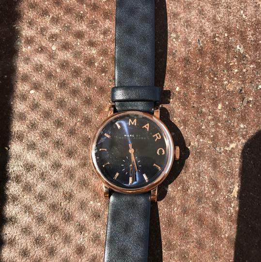 Preload https://item4.tradesy.com/images/marc-by-marc-jacobs-rose-gold-metal-black-face-navy-band-watch-21542378-0-1.jpg?width=440&height=440