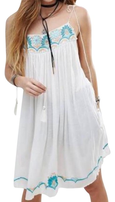 Preload https://item5.tradesy.com/images/free-people-white-and-blue-ivory-combo-night-out-top-size-4-s-21543124-0-1.jpg?width=400&height=650