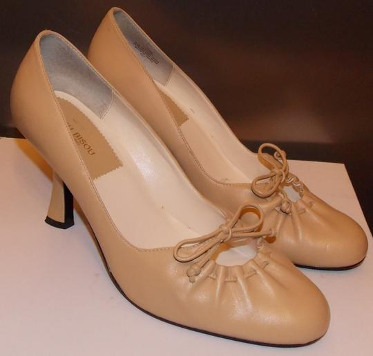 Bisou Bisou Pumps