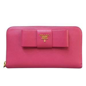 0ecab02a030 Prada Wallets on Sale - Up to 70% off at Tradesy