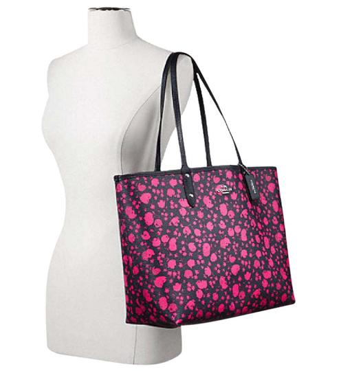 Preload https://item5.tradesy.com/images/coach-prairie-city-reversible-in-calico-floral-print-55862-silverpink-ruby-multi-midnight-canvas-tot-21543834-0-1.jpg?width=440&height=440