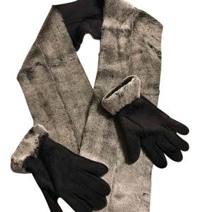 Fownes Fownes Scarf and Gloves