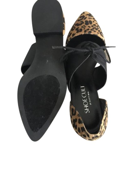 Preload https://img-static.tradesy.com/item/21544187/nasty-gal-animal-print-and-black-leopard-lace-up-flats-size-us-7-regular-m-b-0-1-540-540.jpg