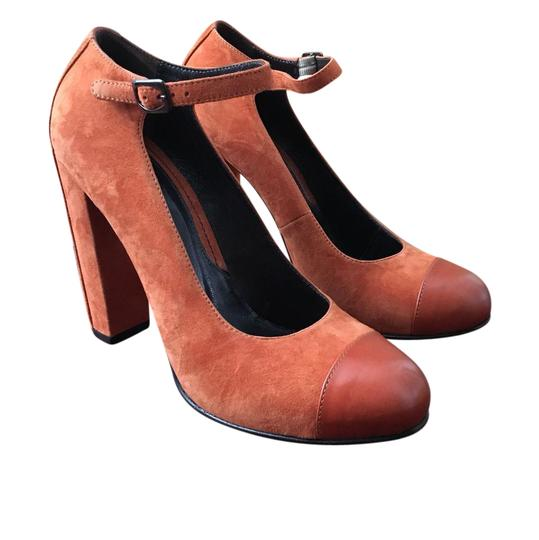 Preload https://item2.tradesy.com/images/max-and-co-burnt-orange-closed-toe-suede-chunky-heel-formal-shoes-size-us-95-narrow-aa-n-21544251-0-1.jpg?width=440&height=440