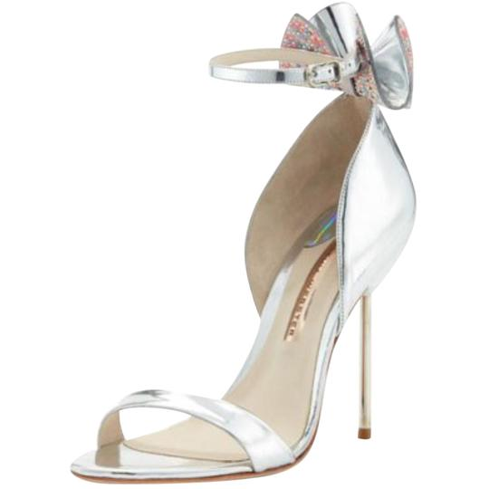 Preload https://item3.tradesy.com/images/sophia-webster-silver-maya-bow-metallic-115mm-sandals-size-us-75-regular-m-b-21544857-0-1.jpg?width=440&height=440