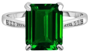 Other ** NWT ** PRINCESS CUT EMERALD ( 2.50 ct ) GREEN RING