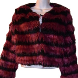 Mustard Seed Faux Fur Faux Fur Fur Cropped Black and Fuchsia Jacket