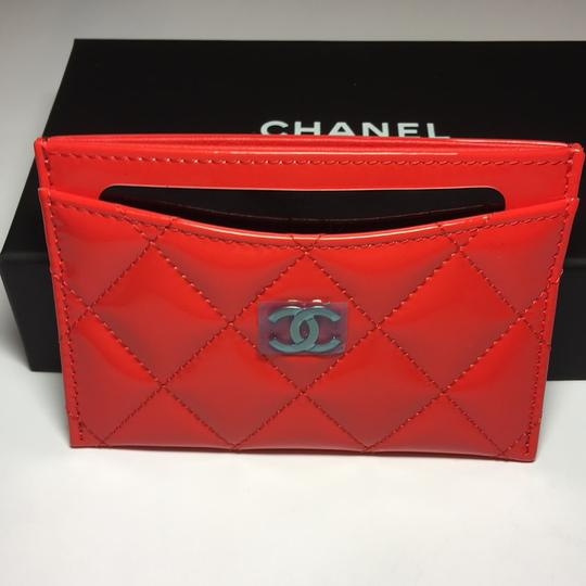 Chanel BN 17C Chanel Classic Patent Card Holder SHW