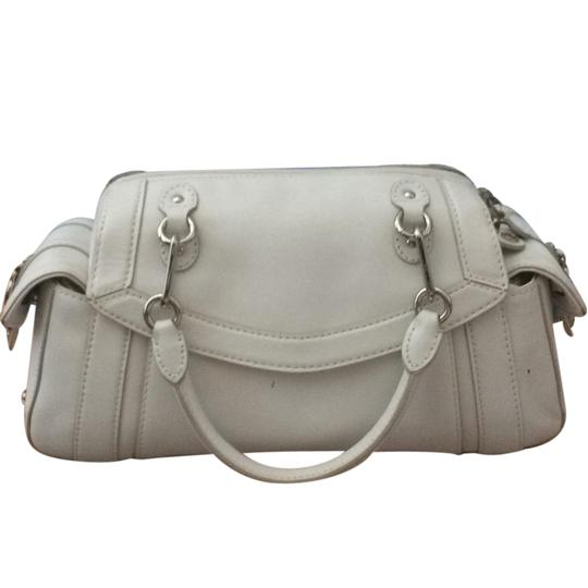 Preload https://img-static.tradesy.com/item/21545293/cole-haan-trinity-chain-detail-white-leather-satchel-0-1-540-540.jpg