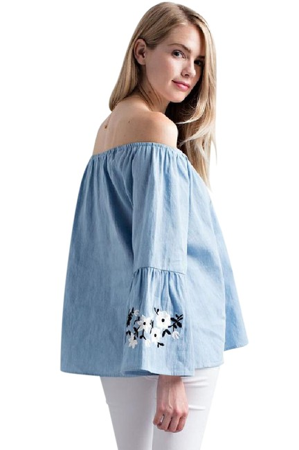 Item - Sky Bell Sleeve Off Shoulder Chambray Embroidered Blouse Size 4 (S)